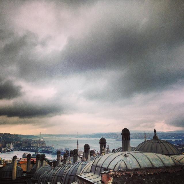 istanbul'u dinliyorum gözlerim kapalı