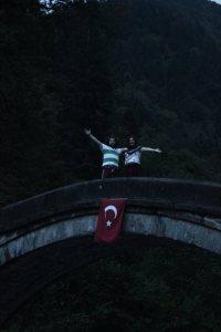 madem köprü gördük, neden üstünden foto çektirmeyelim! :)